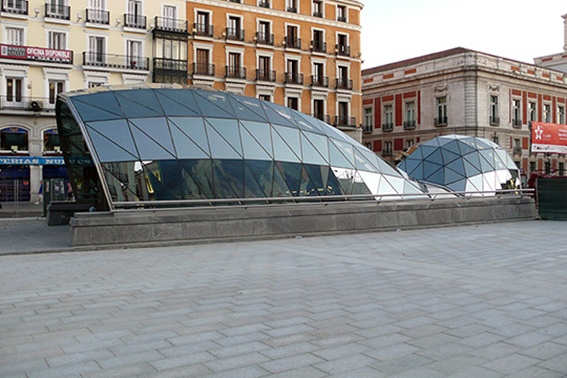 img-Puerta-del-Sol-Commuter-train